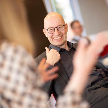Impressum der PRAXISFELD GmbH, Holger Schlichting als CEO und Geschäftsführer