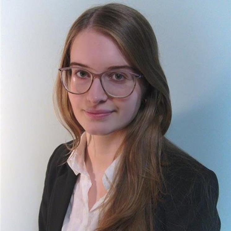 Dijana Hrvacanin, Praktikantin bei PRAXISFELD