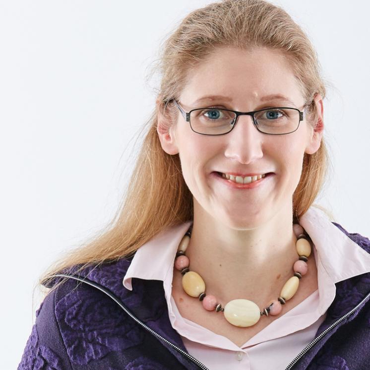 Dorothee Dickmann, Online-Redaktion und Marketing bei PRAXISFELD