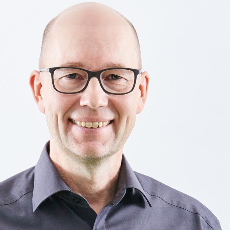 Holger Schlichting, Geschäftsführer der PRAXISFELD GmbH
