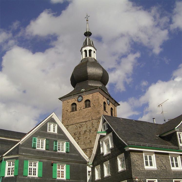 Blick auf die Lenneper Altstadt mit Stadtkirche